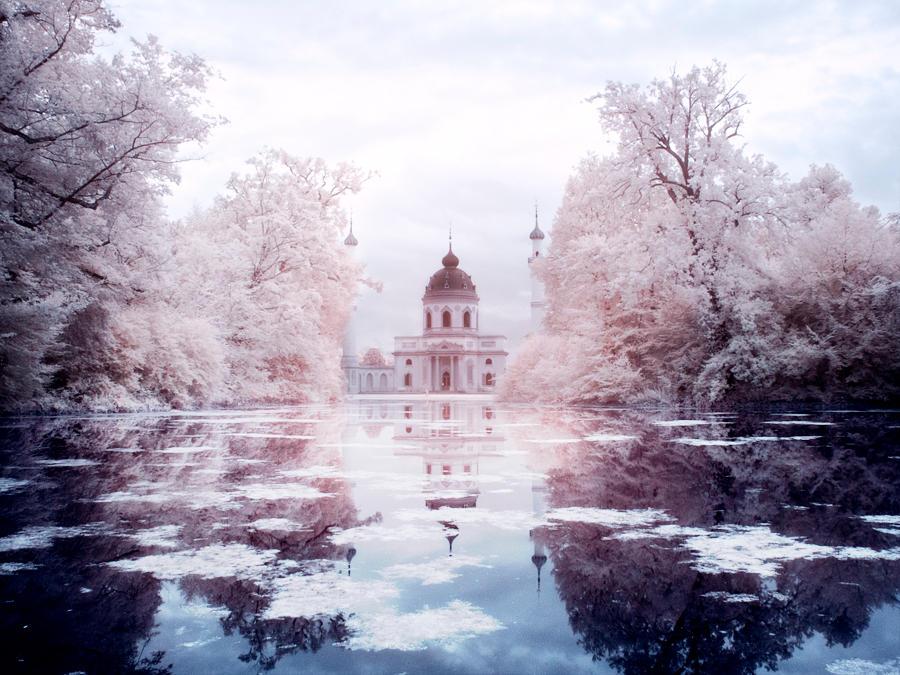 Infrared - Castle Garden Schwetzingen by nastra