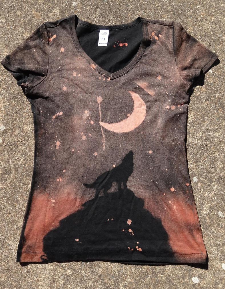 Wolf Moon shirt-front 2 by Kiku-Goldenflower