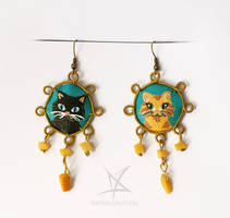 Cat couple earrings by MissAnnThropia