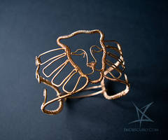Winged lioness armlet