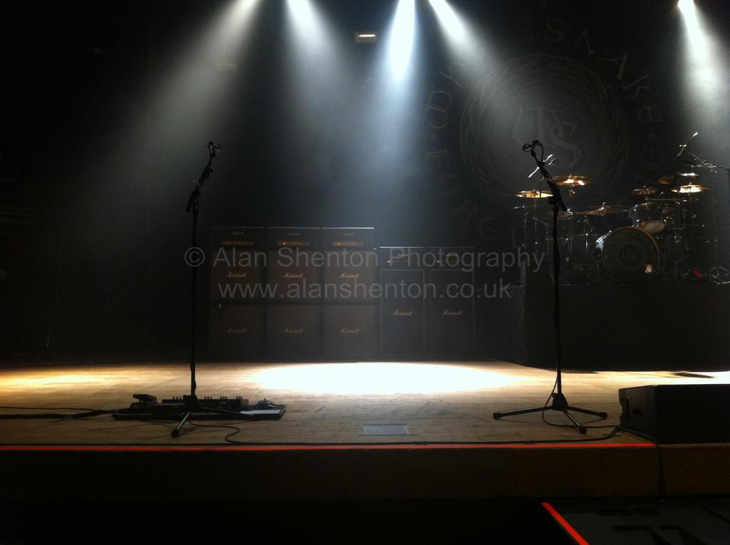 Whitesnake's Empty Stage by solitudebytheshore on DeviantArt