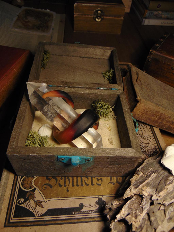 Small Glowing Kraken Trinket Box by BurnedRavenTales