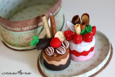 Everlasting Cake by michiiyuki