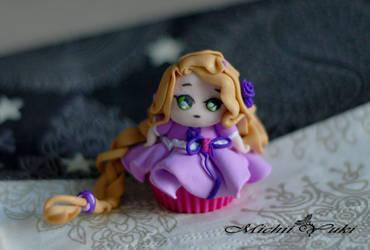 Rapunzel Cupcake by michiiyuki