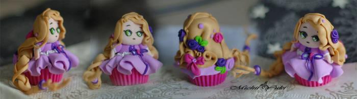 Rapunzel Cupcake Detailed view by michiiyuki