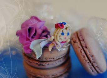 Macaron Fairy by michiiyuki