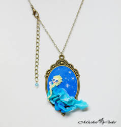 Frozen Queen Elsa Cameo Necklace
