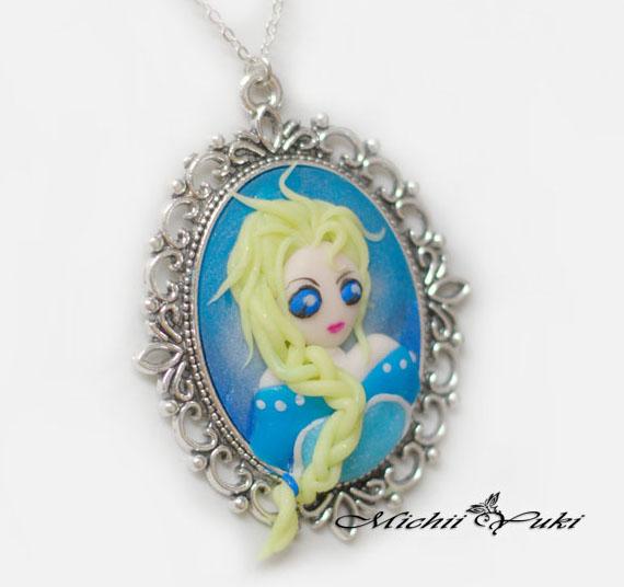 Frozen Elsa Cameo Necklace by michiiyuki