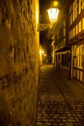 Erfurt at night by baari87