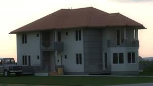 House Carina 1