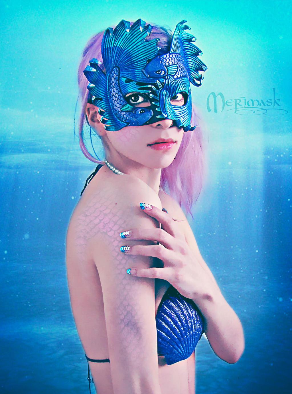 Underwater...Beki wearing Fighting Fish Mask by merimask