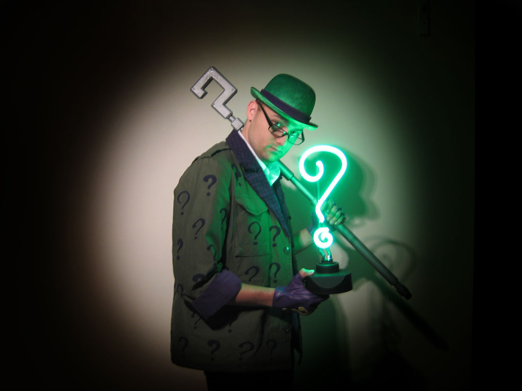 the_riddler_takes_over_chicago_by_thequestion1-d4fheo6.jpg