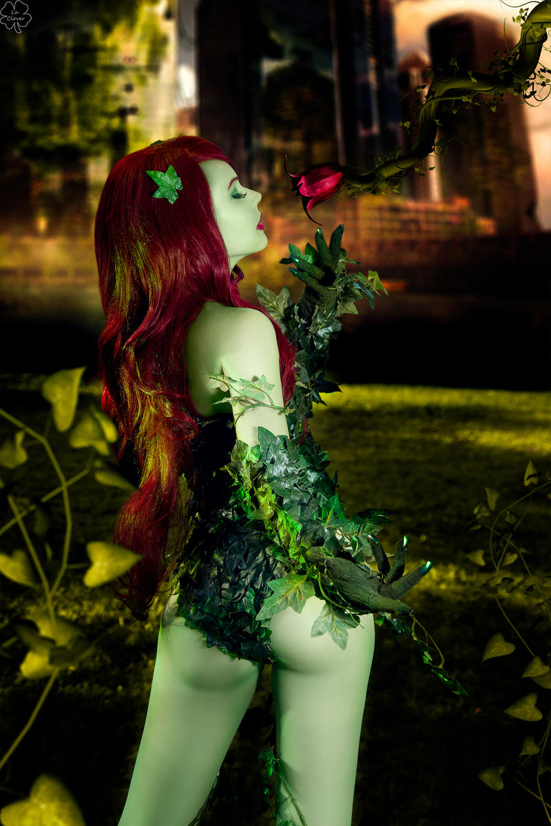 poison ivy cosplay just a harmless flower by magmasaya on deviantart