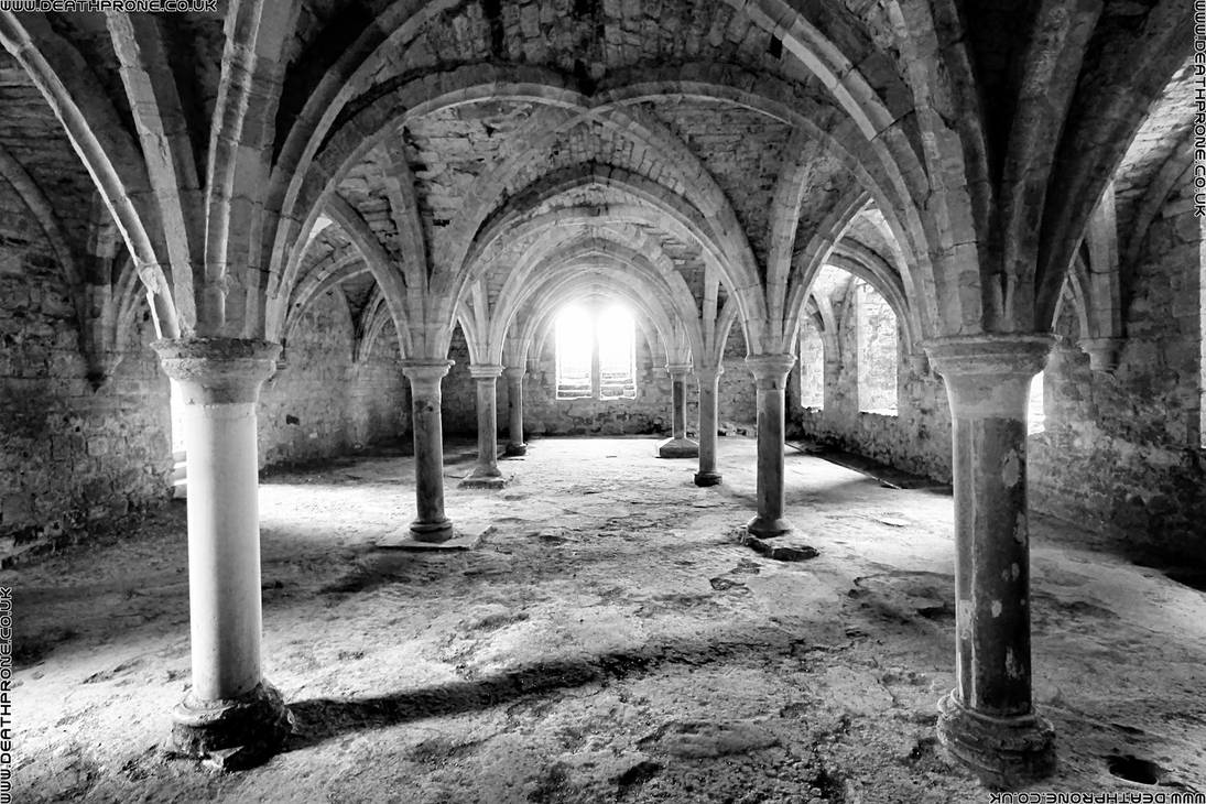 Black and white photo of battle abbey by deathproneimages