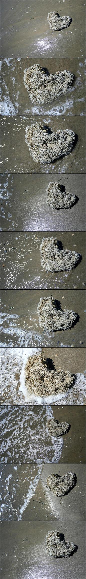 heart on the beach by Belikeme