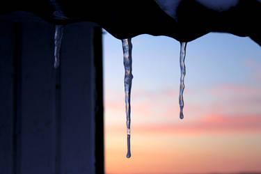 icicle sunset by xheartsandcirclesx