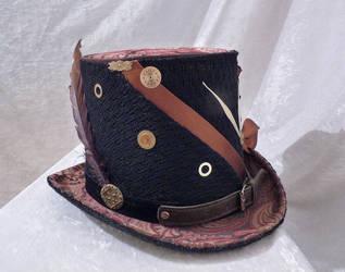 Brown Elegant top hat clock work side by Serata
