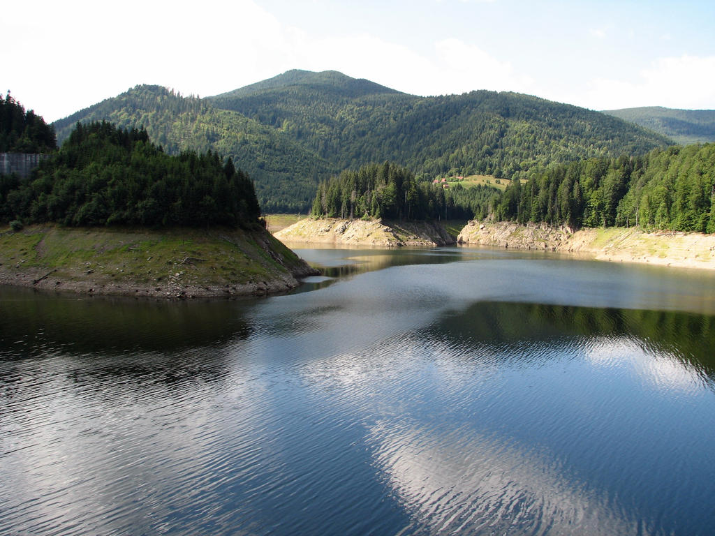 Dragan lake by OannaFilthy