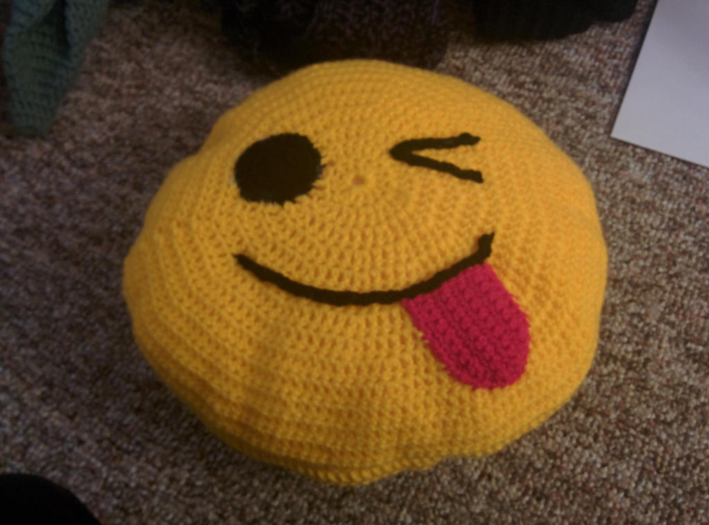 Crocheting Emoji : cuscini alluncinetto on Pinterest Html