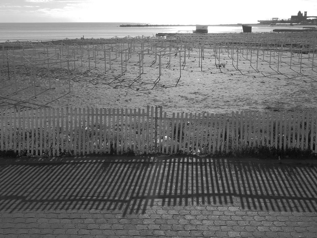 Rambla Mar del Plata 11 by DaFeBa