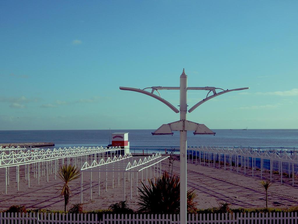 Rambla Mar del Plata 14 by DaFeBa
