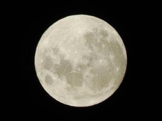 Full moon by DaFeBa