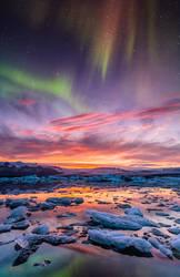 Aurora over Jokulsarlon by BSGuyIncognito