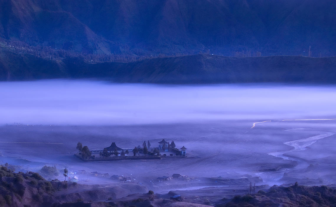 Morning @ Bromo by philatmeartwork