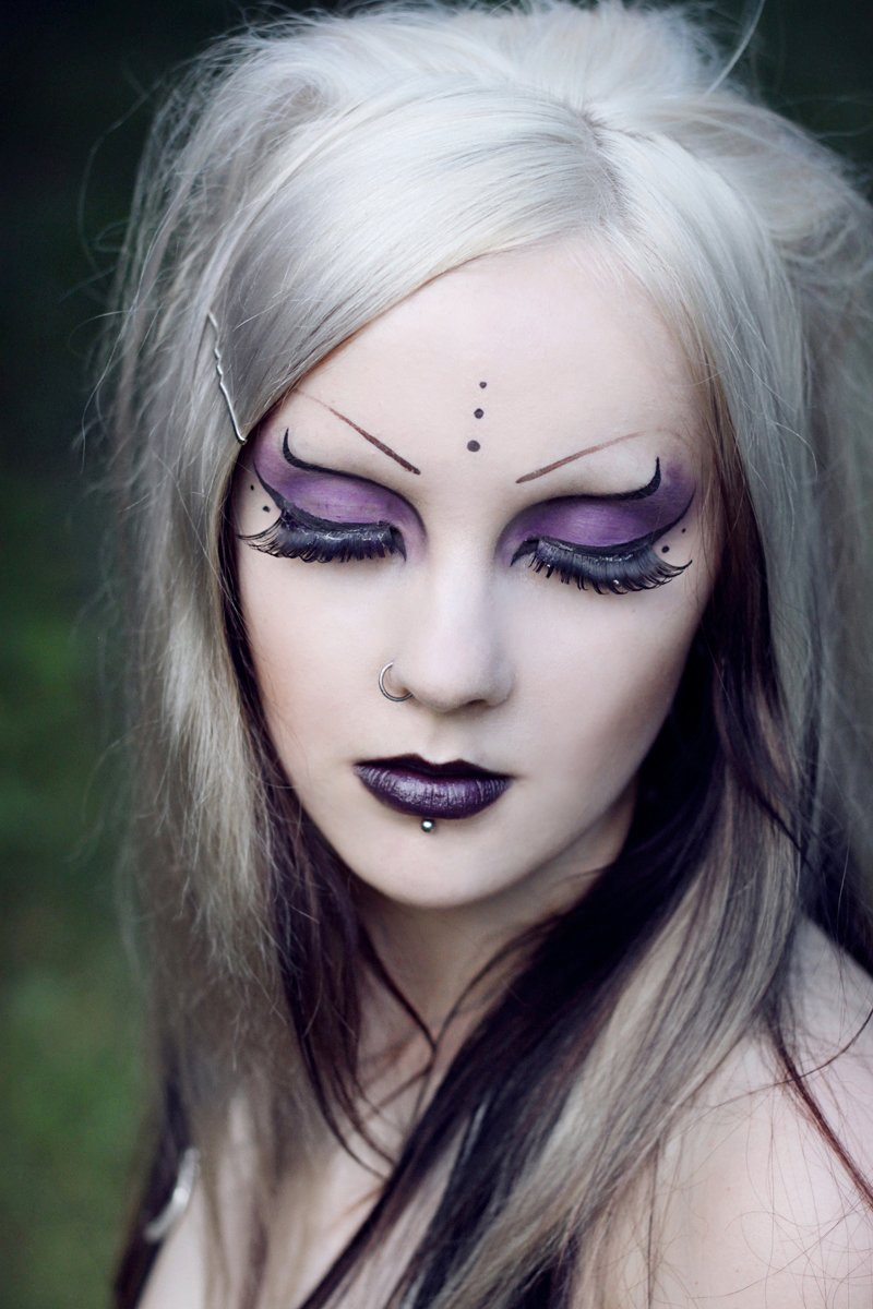 GOTHIC - 6 Makeup on Pinterest | Gothic Makeup, Gothic and ...
