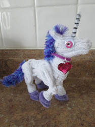 Small Pipe Cleaner Unicorn 2