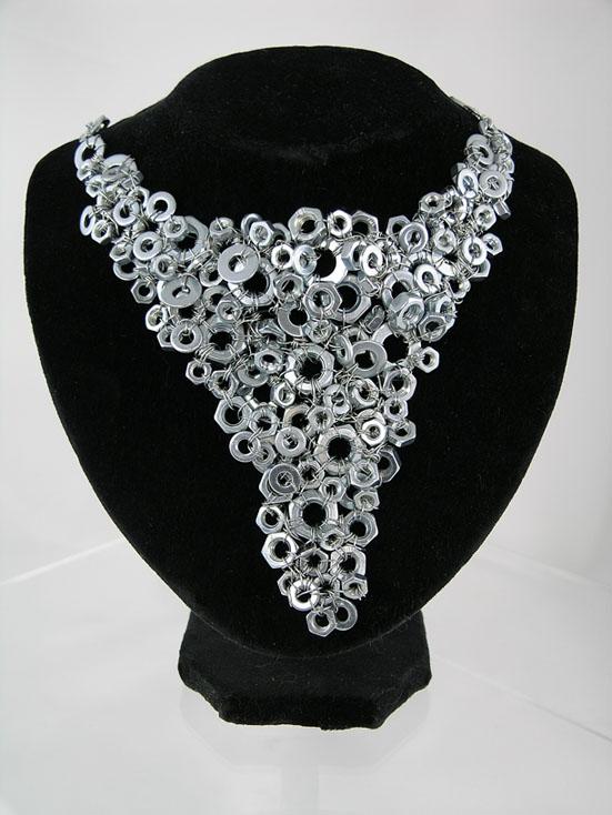 Nuts Jewellery - V  Necklace