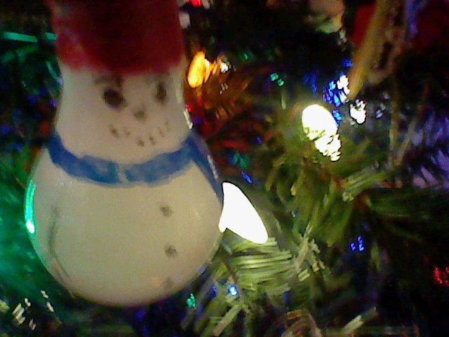 Light Bulb Snowman by Gamma-V