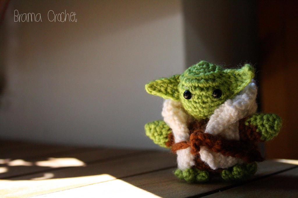 Schemi Amigurumi Star Wars : Yoda Star Wars Amigurumi doll by BramaCrochet on DeviantArt