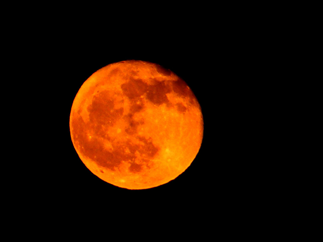 Orange moon by theHael on DeviantArt