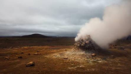 Martian Volcano by Mashuto