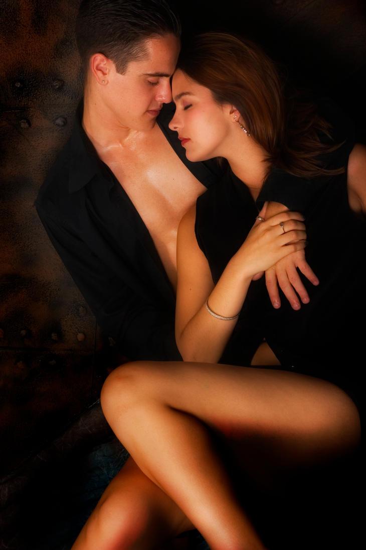 Целуют ноги женщины 21 фотография