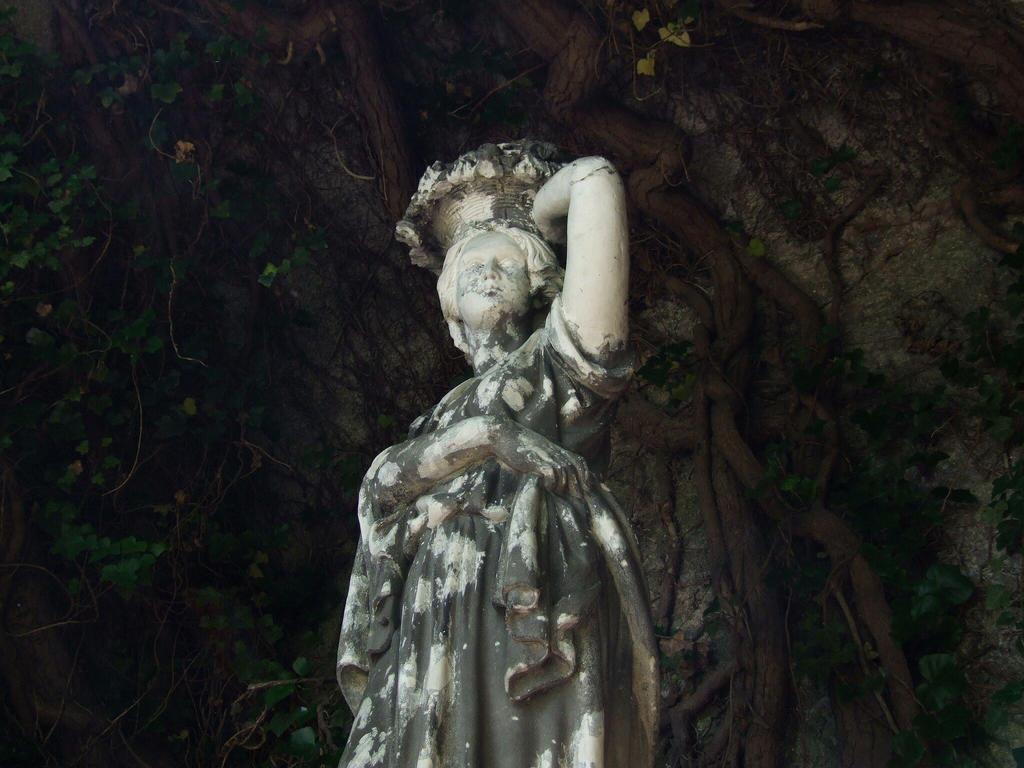 Lady by Wanderlouve