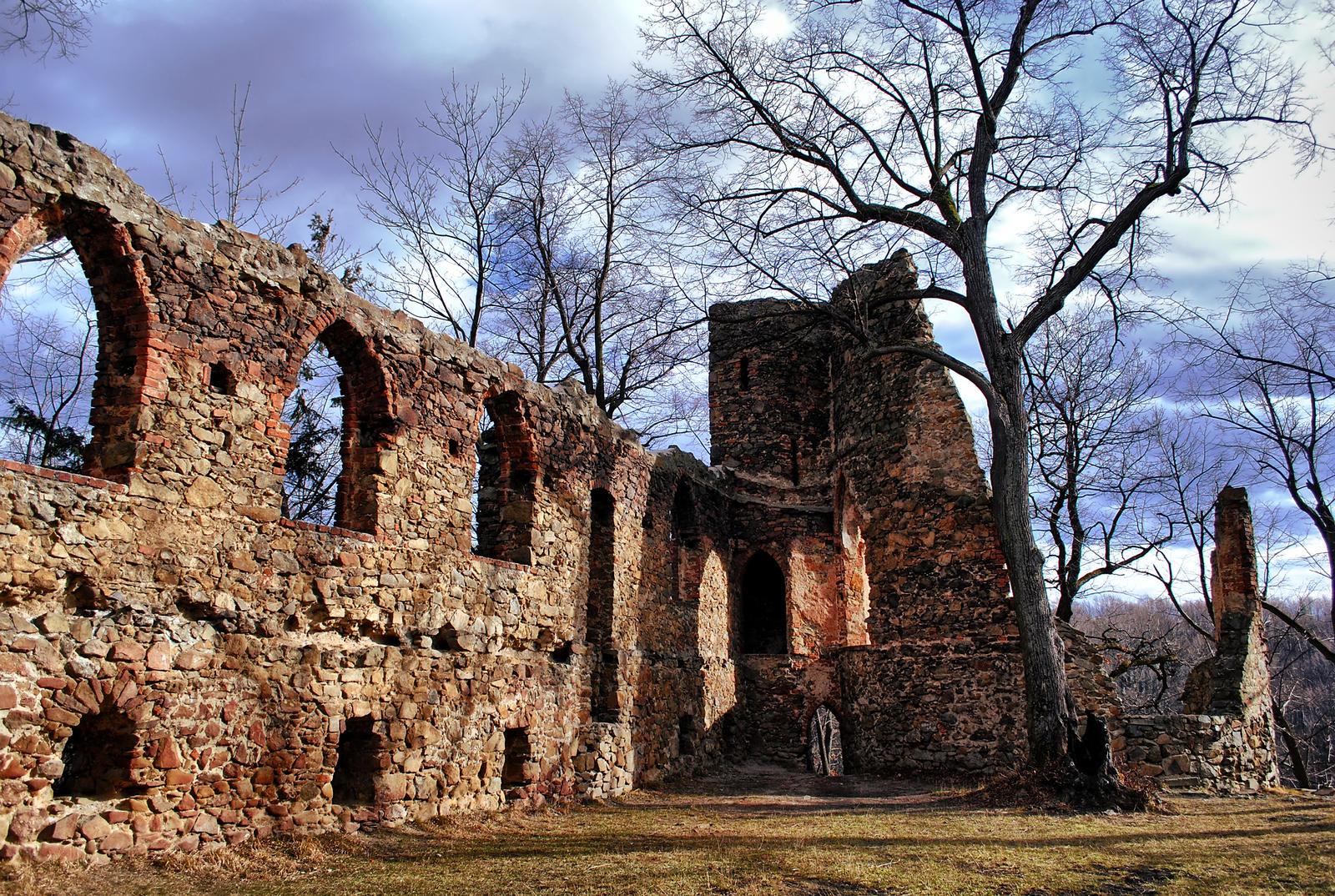 Old Ksiaz Castle by Wanderlouve