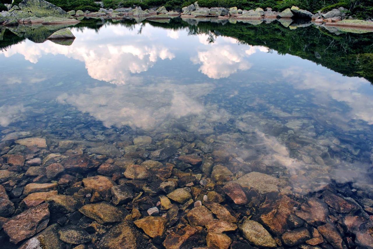 Crystal water by Wanderlouve