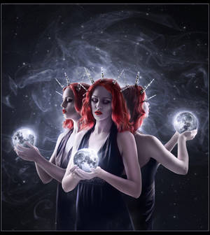 Hecate by 1simplemanips1