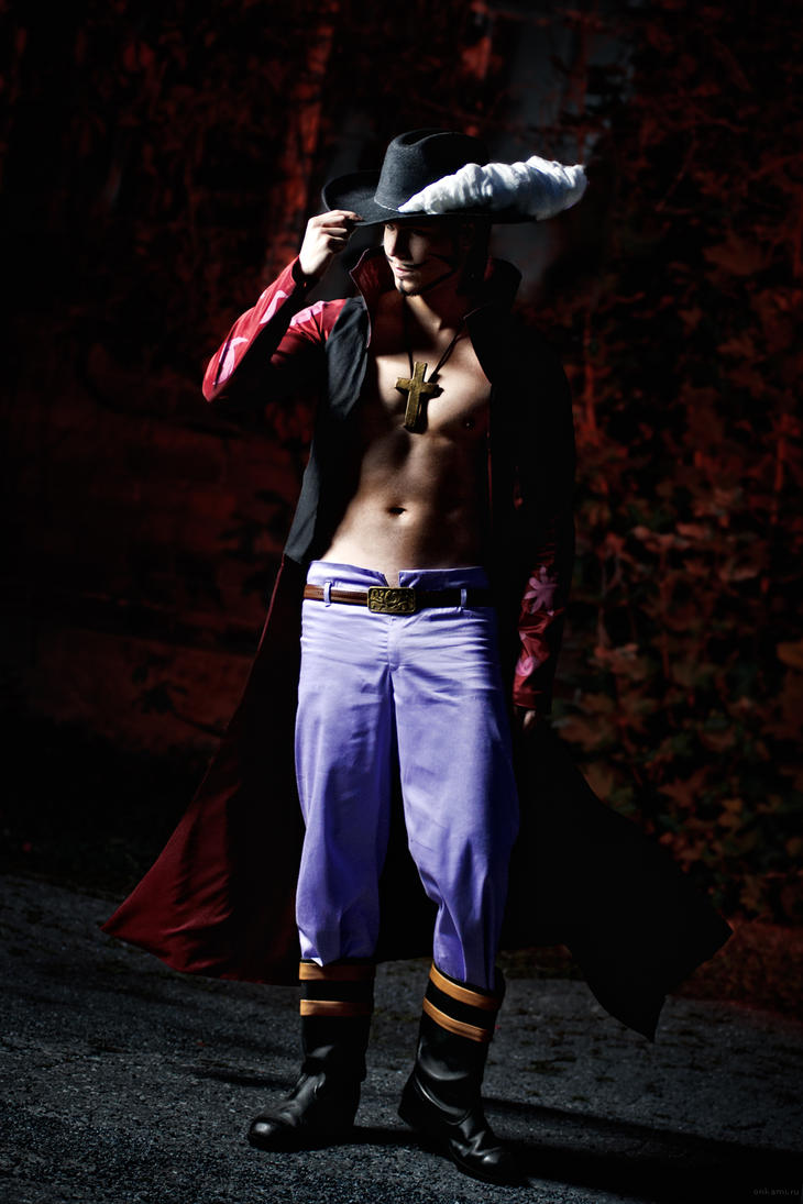 Dracule Mihawk - One Piece - Cosplay by Elffi
