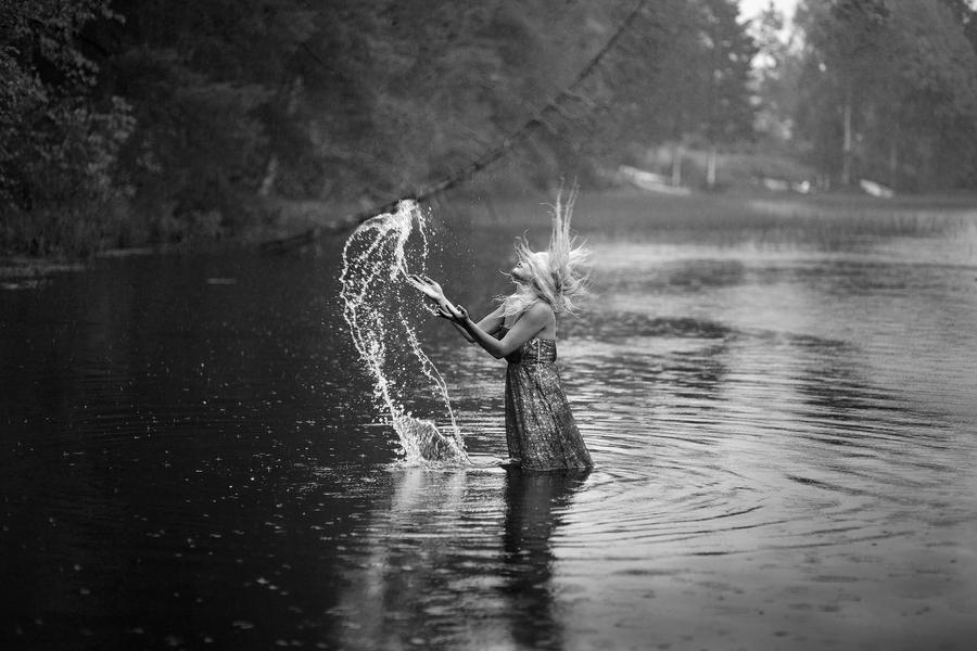 Dance in the rain by PicturePuttonen on DeviantArt