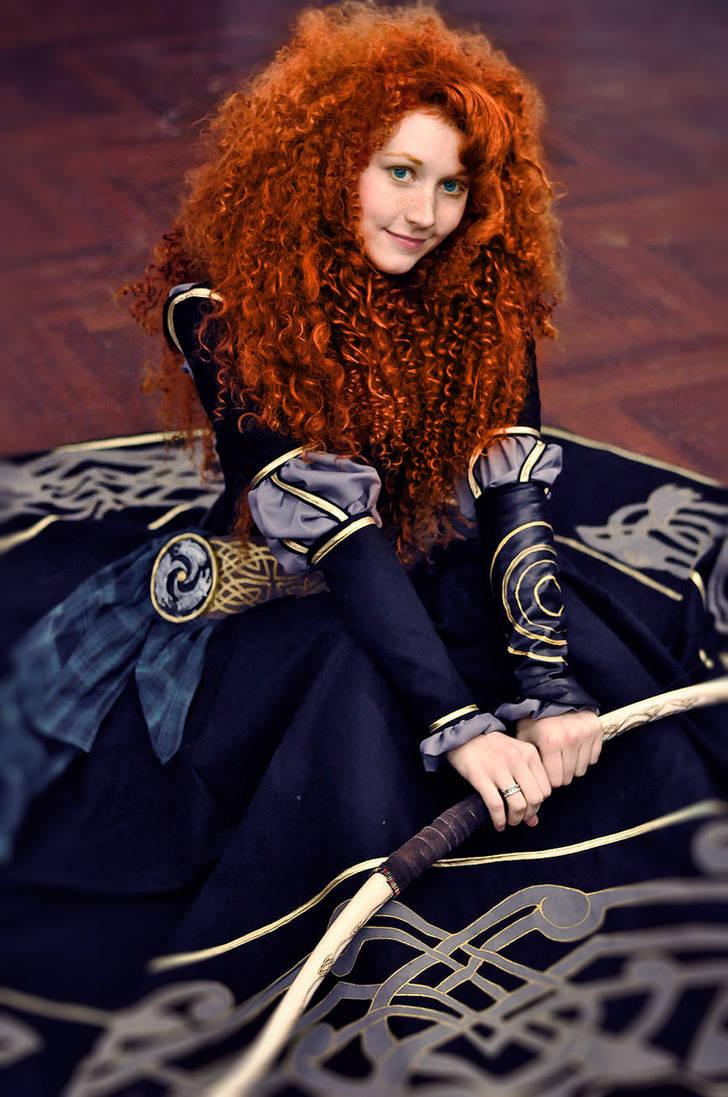 Merida - black dress