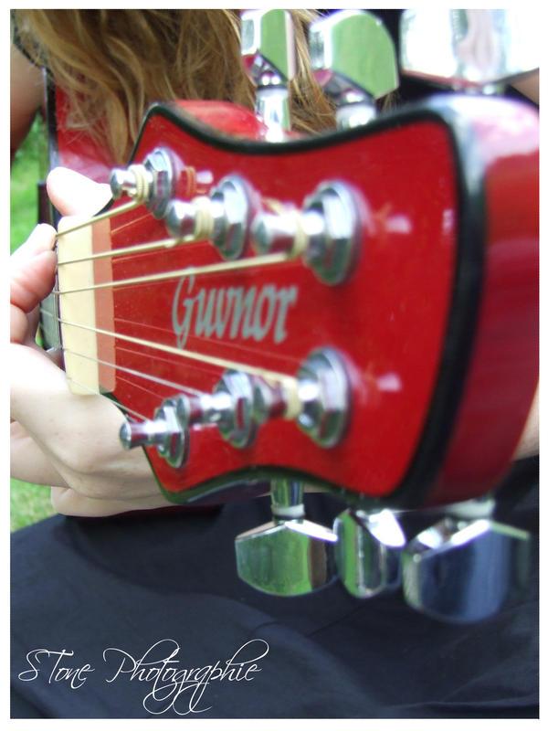 Guitar 3 by Crowlf