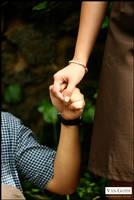 holding hands by emsvangoth