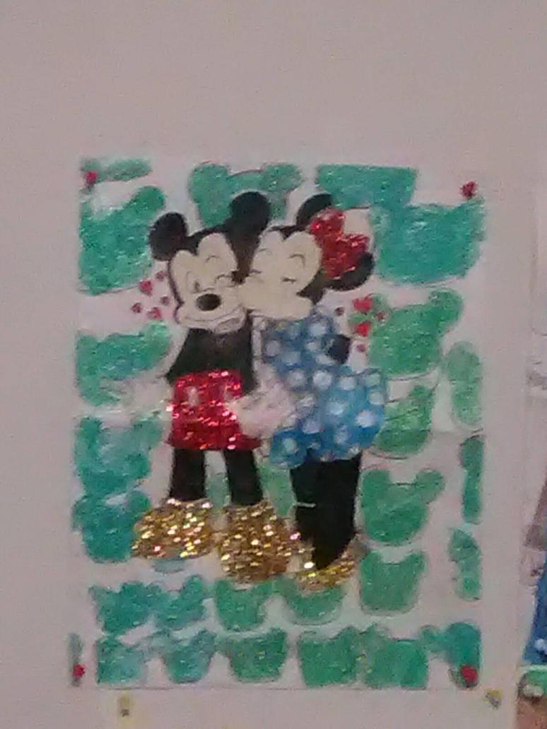 Minnie kisses Mickey by ARaeann123