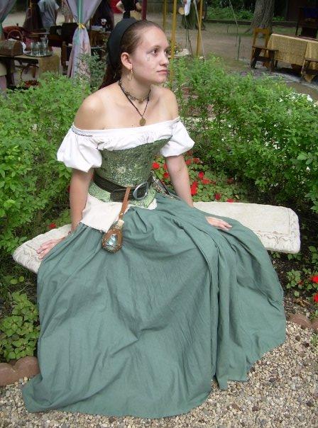 Mariska - Gypsy Wanderer by Tarmetiel