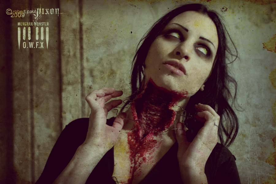 Slit throat by Meaghan-Monster