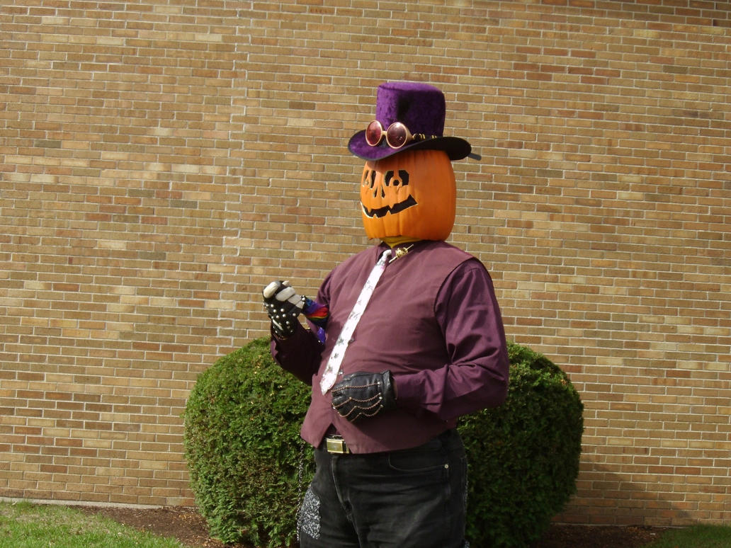 Gourdon Pumpkinhead Before the Parade 3 by Windthin