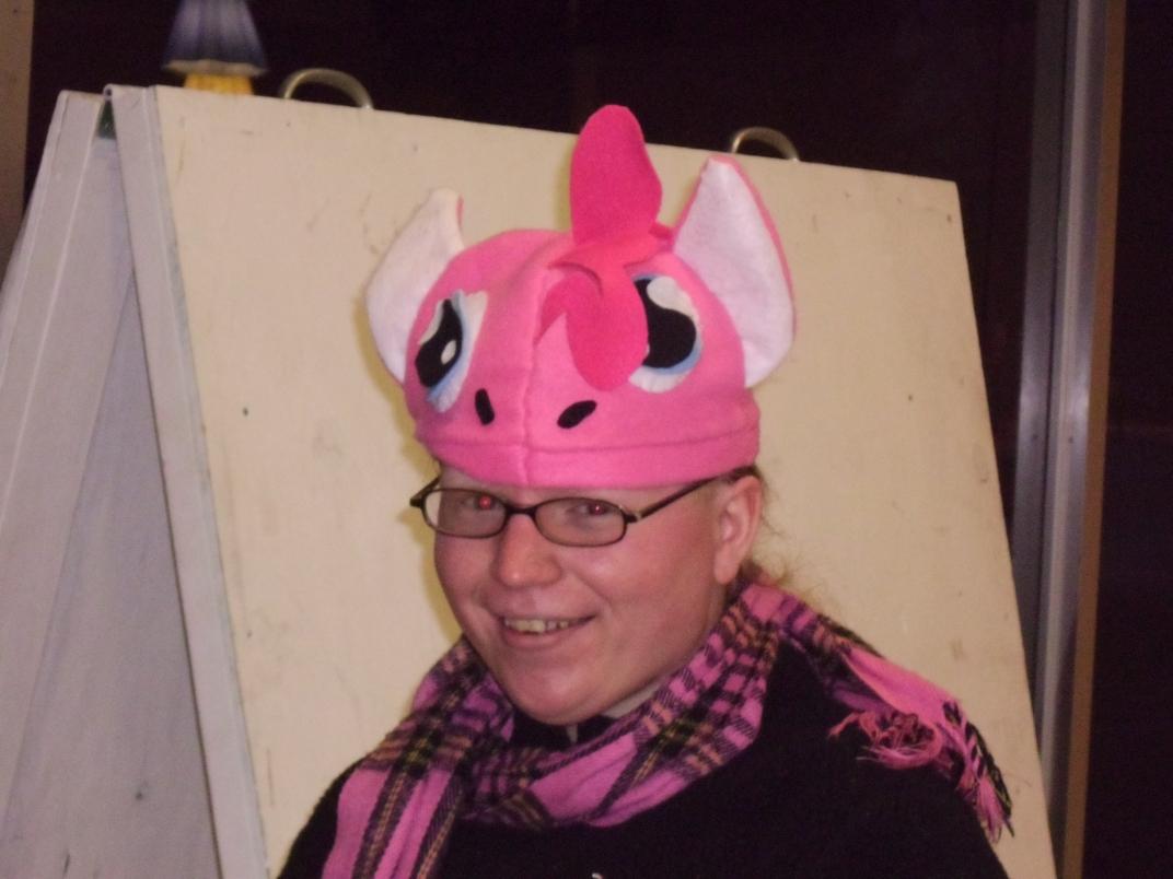 Nika's Pinkie Pie Hat by Windthin